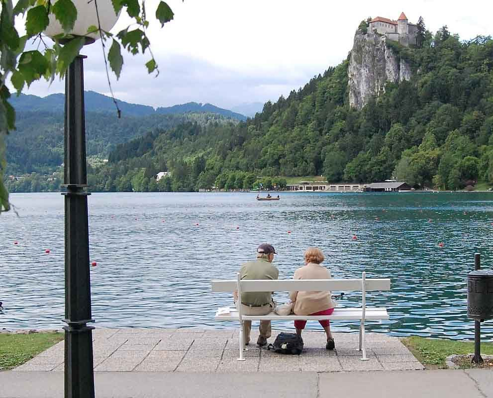 Free Spirit content and SEO case study image showing an elderly couple sitting on a bench